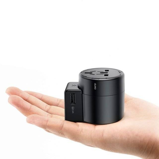 Black Plug with Two USB Ports