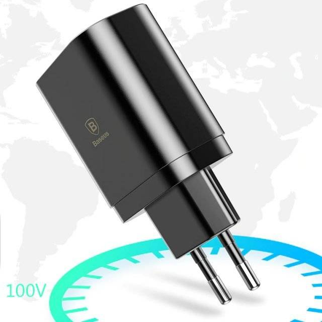 EU Plug with Three USB Ports